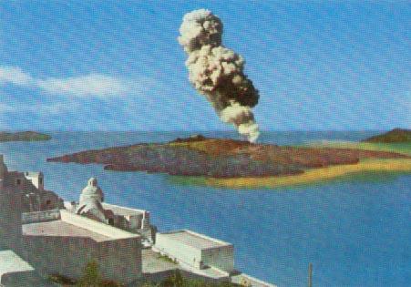 """Вулканскиот остров Санторини во Грција повторно се """"буди"""" по речиси 60 години мирување!"""