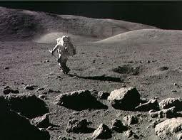 И по 50 години од првото човечко спуштање на Месечината, дел од луѓето се скептични дека тоа се случило!