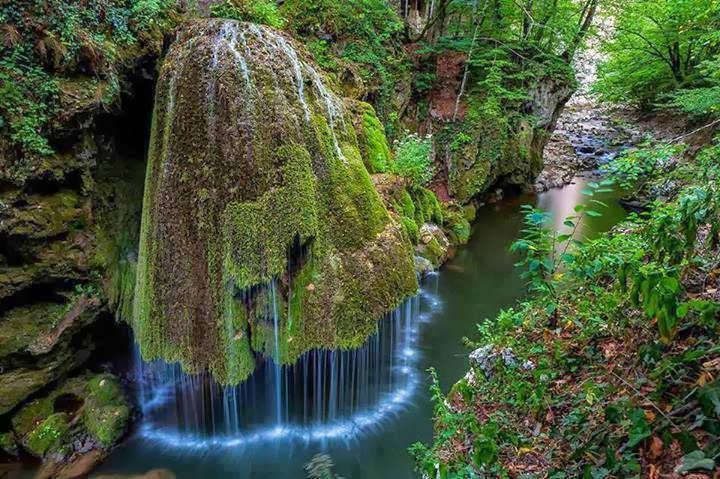 Бигрениот водопад во Романија, еден од најубавите во Светот