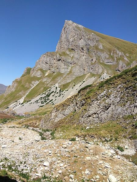 Колку високи врвови (над 2000 m) има Шар Планина?