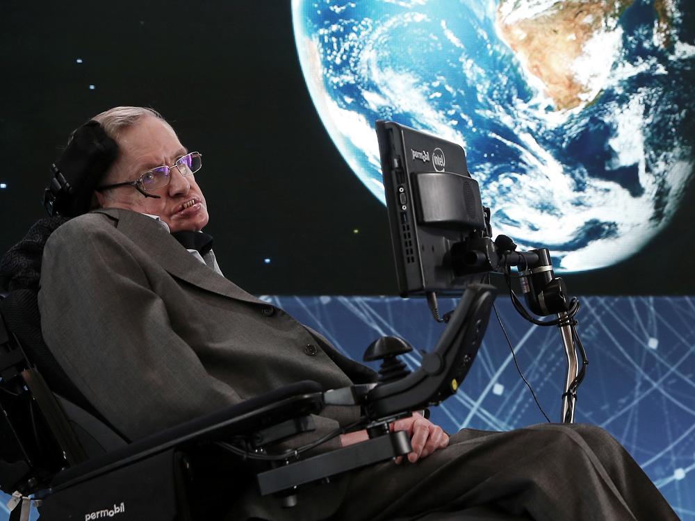 Почина брилијантниот физичар Стивен Хокинг