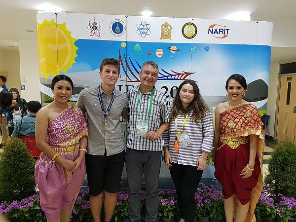 Македонскиот тим се врати со бронзен медал од Светската олимпијада за геонауки во Тајланд!