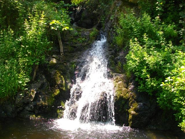 Слатински Водопад – интересна појава во областа Порече