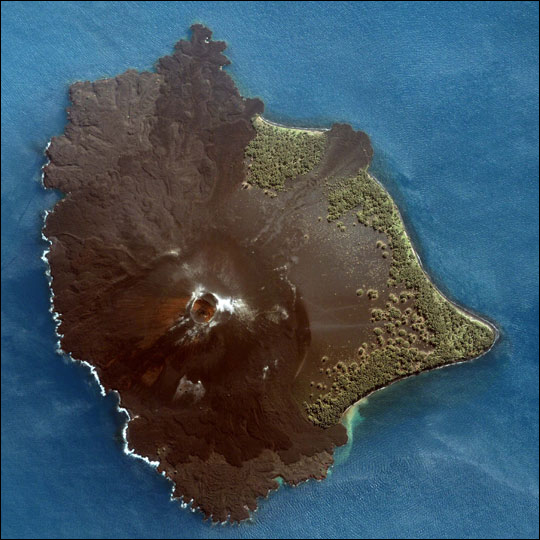 Спектакуларна ерупција на вулканот Кракатау!