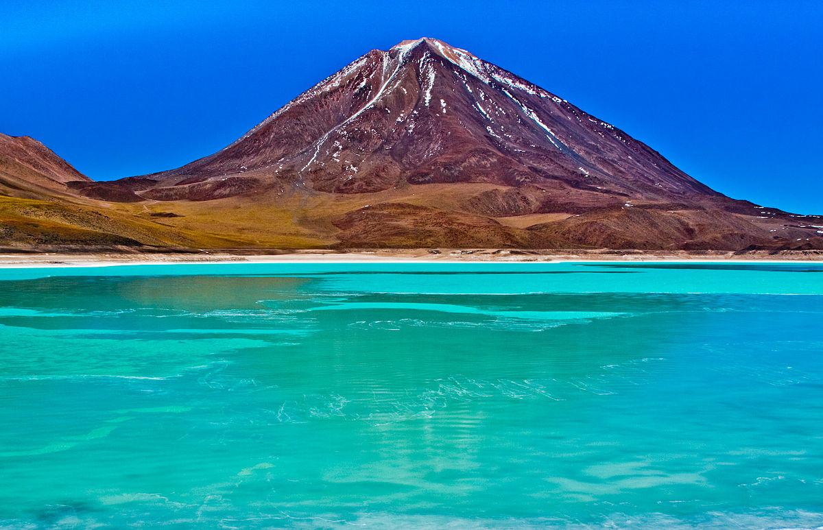Лагуна Верде и Лагуна Колорада – најфасцинантните солени езера во Јужна Америка