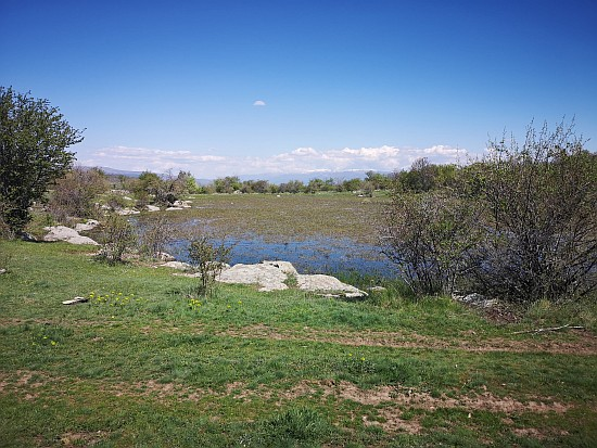 Карпински Езера – мистични природни езерца над с. Страцин