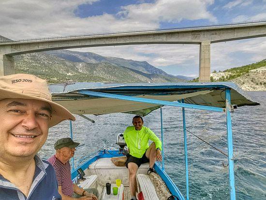Незаборавно доживување со кајче по езерото Козјак