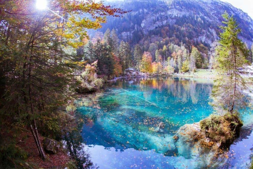 Езерото Блаус (Blausee)-синиот бисер на Швајцарија