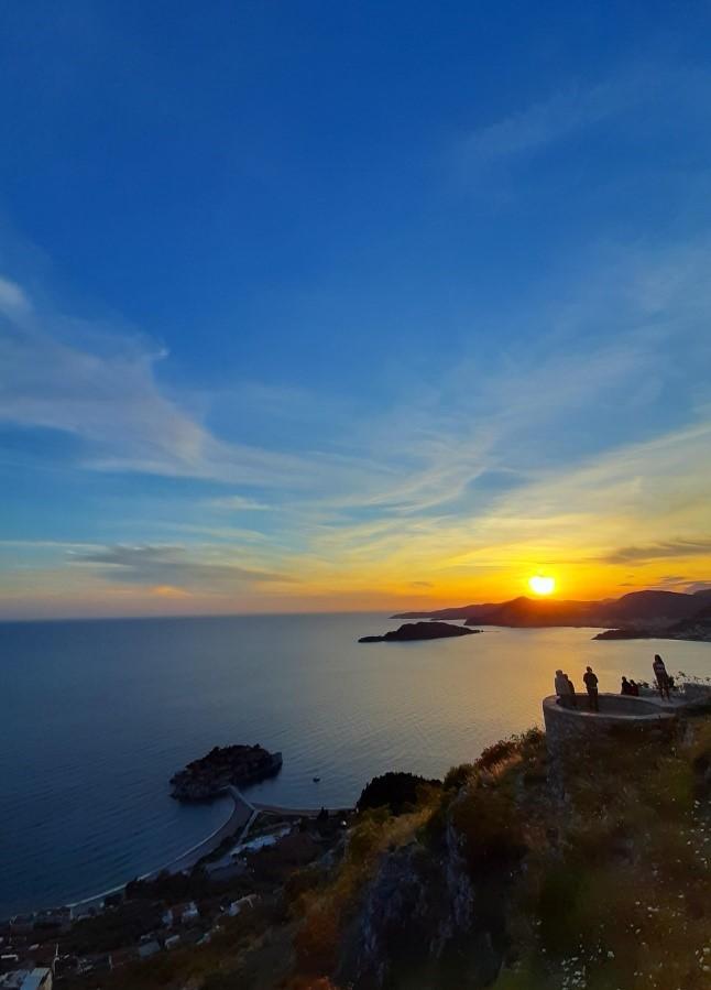 Видиковец кај црквата Св. Сава – еден од најубавите погледи кон Јадранското Море